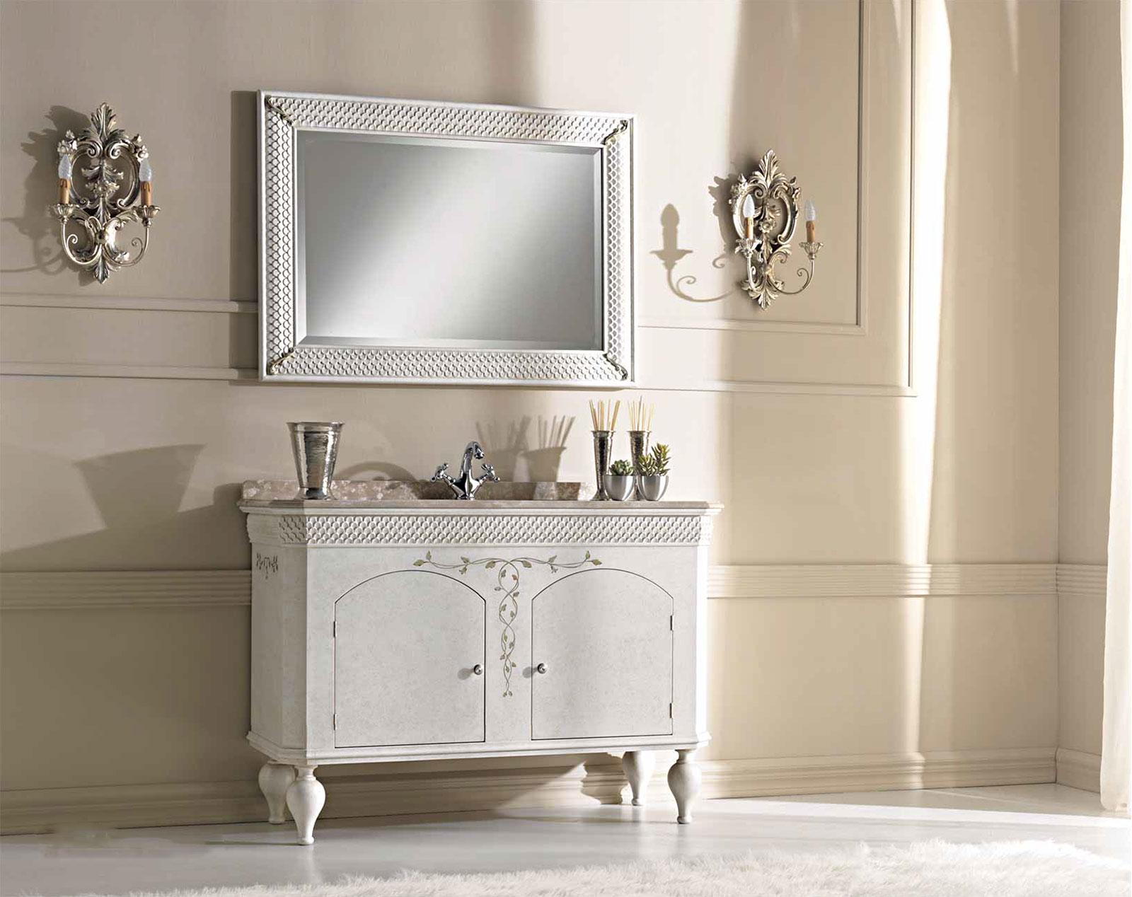 Foto bagni classici perfect stile classico o moderno per - Mobiletti bagno classici ...