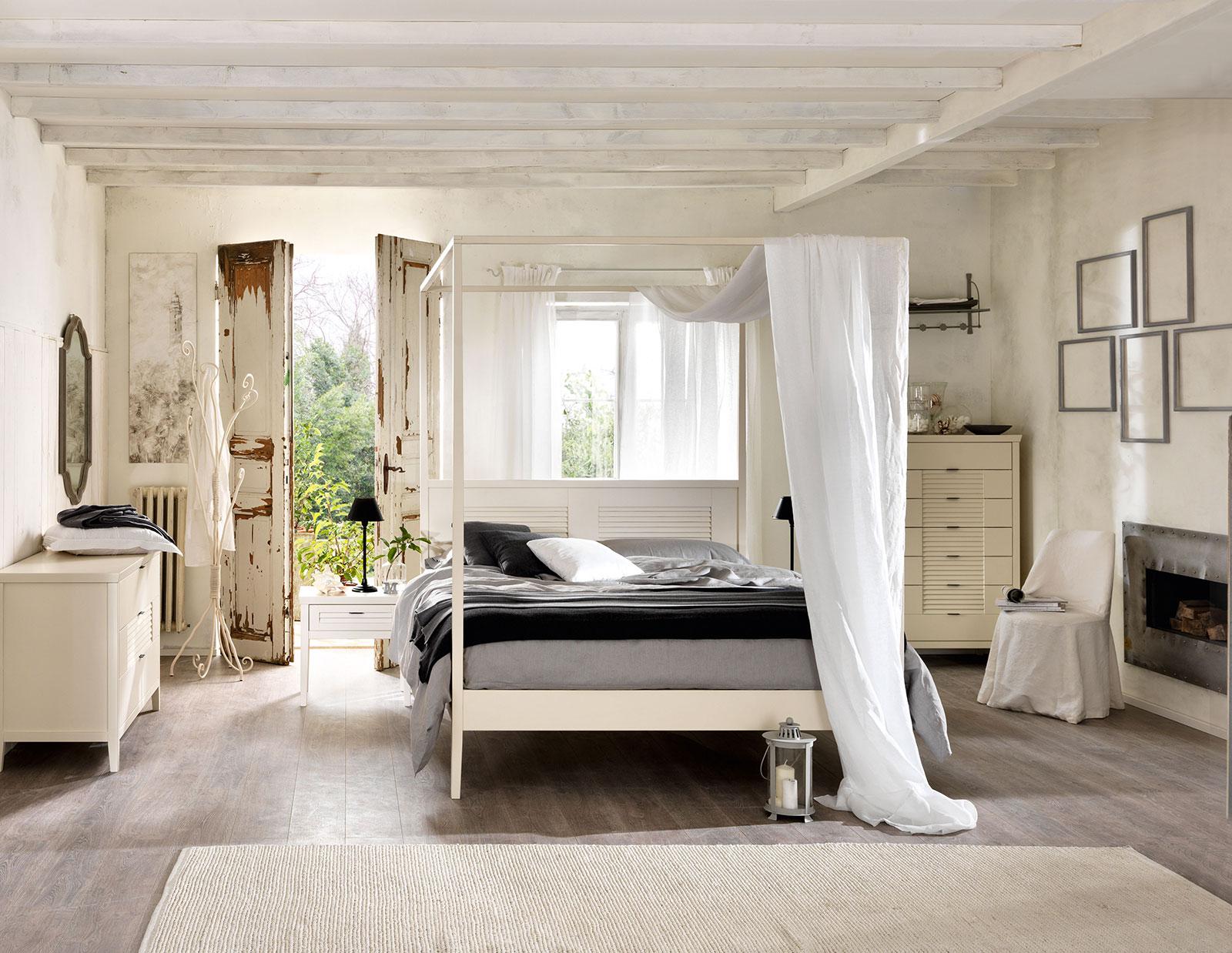 Camere da letto classiche della collezione portofino for Arredamento coloniale